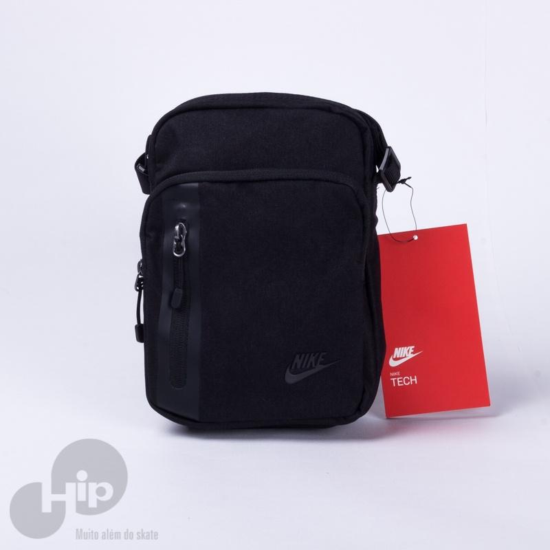 8ae41faaa3799d Acessórios / Pochetes. Pochete Nike Tech Preta