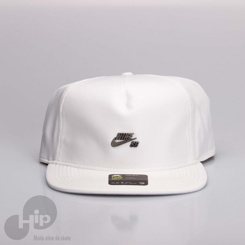 Boné Nike Sb Dri-fit Branco - Loja HIP 2bbe4b97172