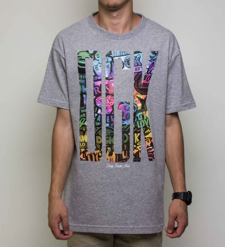 Camiseta Dgk Out There Cinza