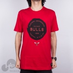 Camiseta New Era Chicago Bulls Essentials Vermelha